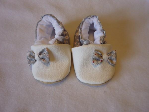 grande vente 97fe5 2b221 Chaussons souple bébé petits nœuds - Taille 0/6 mois-fait main